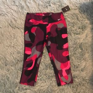 Nike pink camo athletic leggings